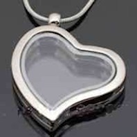 Memories  Floating Locket Heart Silver Magnetic & Chain